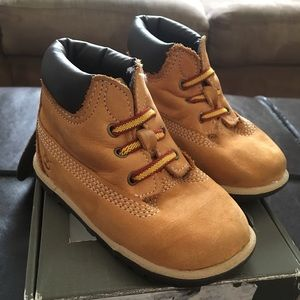 Timberland infant booties size 4